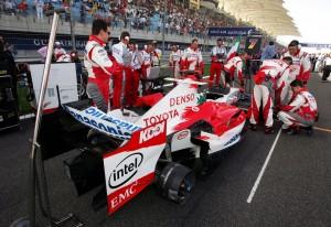 Formula-One-World-Championship-mit-EMC-PR