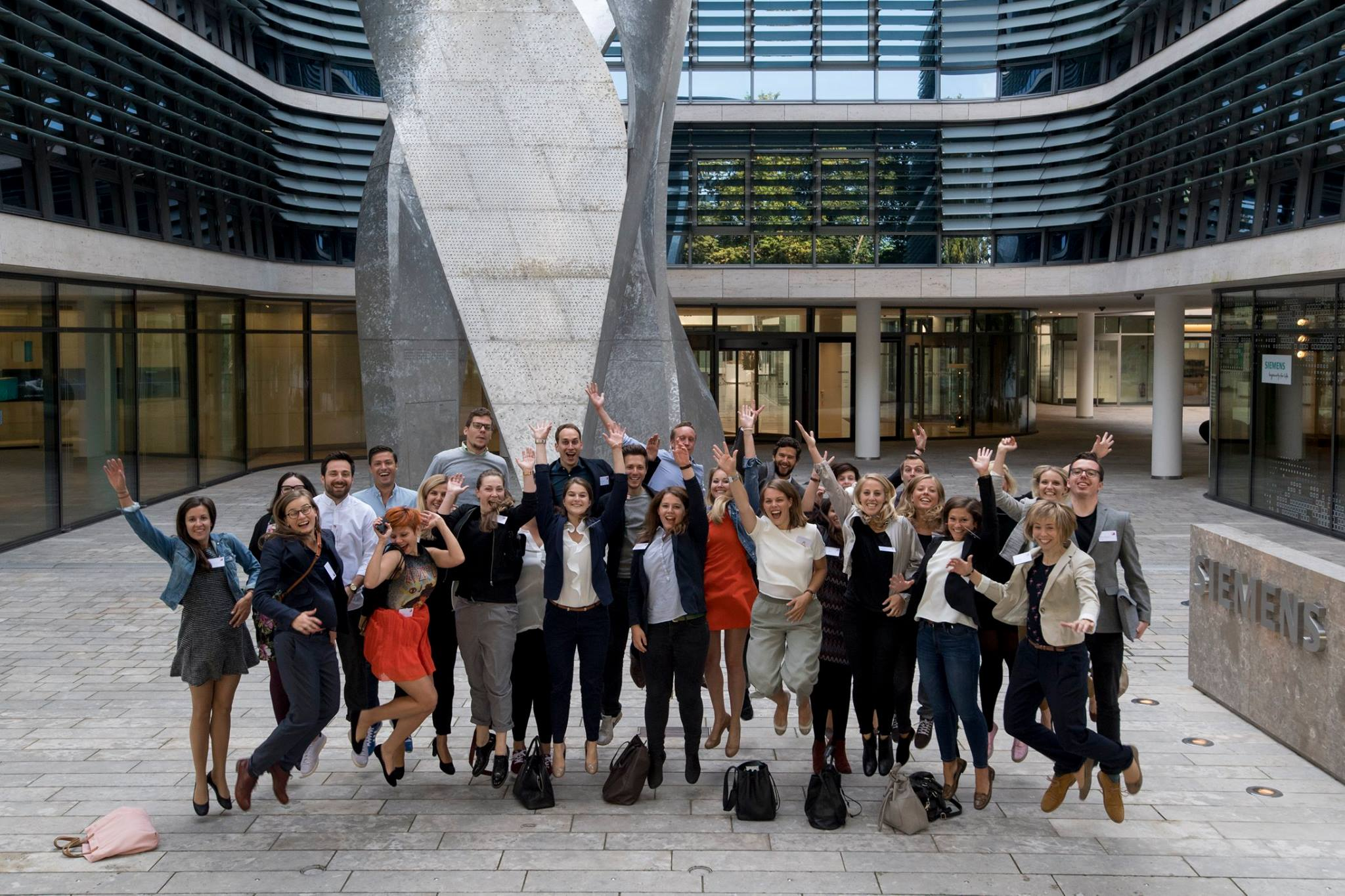 Junge Talente Nachwuchsinitiative Siemens Headquarter #30u30-Camp