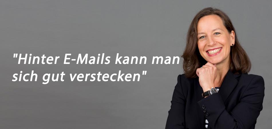 Alexandra Gross Hinter Emails kann man sich verstecken